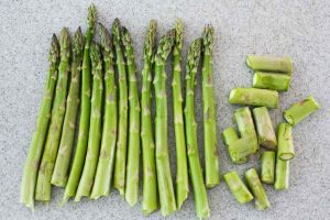 roasted-asparagus-method-1-1024x683